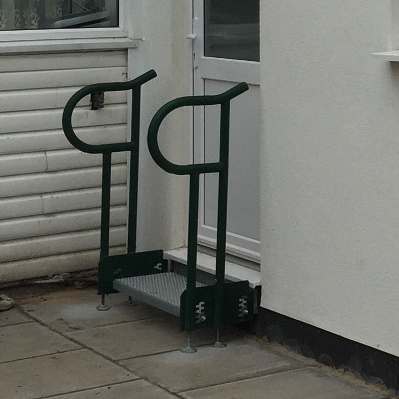 one tread modular steel step unit